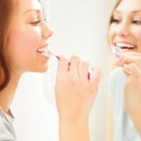 Lávese los dientes para cuidar su corazón